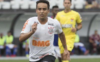 Provável titular no Majestoso, Jadson acumula bons números contra ex-clube e fala da chance de ser tricampeão Paulista pelo Corinthians