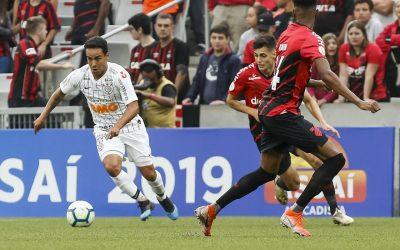 Jadson relembra hat-trick na única vez em que enfrentou o Lara e pede foco para Corinthians conquistar vantagem em Itaquera pela segunda fase da Copa Sul-Americana