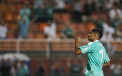 Artilheiro do Palmeiras em 2019 e meio-campista com a melhor média de participação direta em gol por minuto na temporada passada, Gustavo Scarpa estreia em 2020 balançando as redes