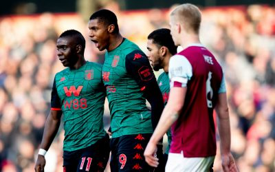 Com belo gol de Wesley, Aston Villa volta a vencer na Premier League
