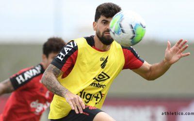 """Fernando Canesin prevê duelo equilibrado com o Flamengo: """"Jogo será definido nos detalhes"""""""