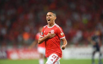 Com gols nos últimos dois jogos, Marcos Guilherme chega motivado para primeiro Gre-Nal da carreira e apresenta ótimos números em clássicos regionais