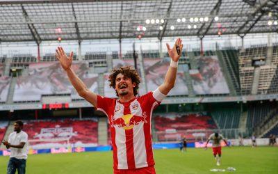 Colecionador de taças, André Ramalho deixa a sua marca em jogo do sétimo título seguido austríaco do Red Bull Salzburg e vibra com a sua nona conquista pelo clube