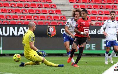 Com belo gol de Raphinha, Rennes empata e se mantém na liderança do Francês