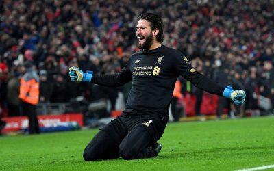 Ídolo e um dos responsáveis pela fase vitoriosa do Liverpool, Alisson atingirá a marca de 100 jogos pelo clube inglês no duelo com o Brighton