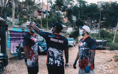 Luan, do São Paulo, doa 100 cestas básicas para famílias carentes do Morro Doce, bairro onde cresceu, na capital paulista
