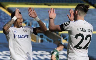 Maior garçom brasileiro na Premier League, Raphinha dá linda assistência e se destaca novamente em mais uma vitória do Leeds