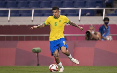 """Destaque na conquista do ouro olímpico, Guilherme Arana vibra com nova convocação para a Seleção Brasileira principal: """"Feliz demais por tudo o que vem acontecendo na minha vida"""""""