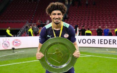 """André Ramalho celebra primeiro título pelo PSV após goleada sobre o arquirrival Ajax: """"Momento inesquecível"""""""